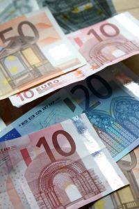 Agenzie fittizie e sinistri provocati per ottenere rimborsi